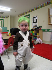 Costume Parade at Daycare (SillySilers) Tags: original halloween costume october toddler factory candy chocolate willywonka oct 2006 charlie munchkin midget littlepeople wonka willy loompa oompa littleperson greenhair october2006 makecrafthalloween