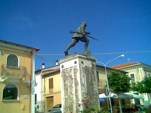 U monument