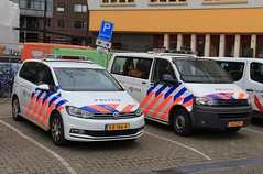 Dutch Police Volkswagen Touran and Transporter Patrol Vehicles (PFB-999) Tags: politie dutch police volkswagen touran transporter van minibus carrier mpv response patrol car vehicle unit lightbar grilles leds kb186r 24zjz1 amsterdam netherlands holland