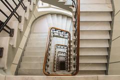 5. Etage (Elbmaedchen) Tags: staircase stairwell stairs treppenhaus stufen kontorhaus hamburg downstairs schiffahrtshaus ferdinandstrase altstadt interior architektur