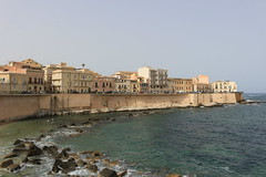 IMG_2654 (gungorme) Tags: sea mediterranian ortigia syracuse sicily italy city urban architecture building blue şehir deniz akdeniz mavi sicilya italya mimari kent