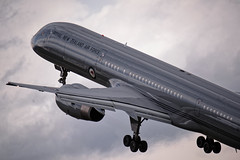 RNZAF Boeing 757-2K2 (Seabird NZ) Tags: newzealand otago wanaka warbirds warbirdsoverwanaka aircraft plane airshow nikond810a sigma120300mmf28 teleconverter dxophotolab rnzaf royalnewzealandairforce boeing 7572k2 climb