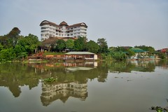 Woraburi Ayothaya Convention Resort by the Chao Phraya river in Ayutthaya, Thailand (UweBKK (α 77 on )) Tags: woraburi ayothaya convention resort hotel centre chao phraya river reflections architecture building water sky grey green ayutthaya province thailand southeast asia sony alpha 77 slt dslr