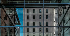 (Kijkdan) Tags: architecture rotterdam architectuur reflection geometric lines building city