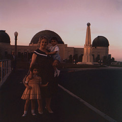 1961, Observatory at dusk (maralina!) Tags: maral garo marie grandmother grandchildren brother sister child toddler girl boy enfant enfance generations griffithpark observatory losangeles california southerncalifornia socal magichour dusk 1961 1960s vintage retro ektachrome 2inchslide lateafternoon