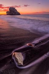 De nuevo ... allí ... (Dancodan) Tags: nikon d7100 málaga playa costadelsol costa mar peñóndelcuervo polarizador gnd809 amanecer qdd rocas cielo nubes 500px fb