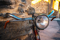 Rustic ZamoBiKE (74/365) (Walimai.photo) Tags: bike bici bicicleta bicycle metal light luz faro stone piedra textura texture lumix lx5 panasonic street calle pueblo village montamarta zamora spain españa plata vía camino santiago