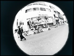 Maybe my heart is rounded. (憂-ICHIRO) Tags: street snap iphonese hipstamatic wide lens fisheye