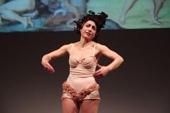 IMGP4994 (i'gore) Tags: montemurlo teatro fts salabanti fondazionetoscanaspettacolo donna donne libertà felicità ritapelusio satira ironia marcorampoldi pemhabitatteatrali