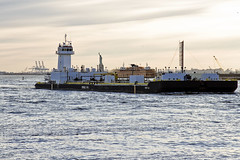 r_180322123_beat0021_a (Mitch Waxman) Tags: eastrivershoreline fdny fireboat newyorkcity statueofliberty tugboat newyork