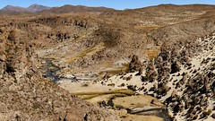 unterwegs zur Salar de Uyuni (marionkaminski) Tags: bolivien bolivia potosi salardeuyuni landscape paisaje paysage flussbett canyon fluss river rio rive mountain montana montagne panasonic lumixfz1000 südamerika southamerica