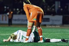 2009-04-01 Hammarby - AIK SG0000 (fotograhn) Tags: fotboll football soccer damallsvenskan hammarbyif aik sport sportsphotography skada skadan ont smärta pain injury injuries stockholm sweden swe