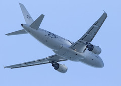 LX-GVV_A319-115CJ_KLAX_9209 (Mike Head - Jetwashphotos) Tags: airbus a319 a319115cj globaljetluxembourg lax klax losangelesinternationalairport socal southerncalifornia us usa america
