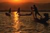 pescatori al tramonto (mat56.) Tags: paesaggi paesaggio landscapes landscape panorama lago lake inle myanmar birmania burma asia pescatore fisherman fishermen pescatori barche boats acqua water silhouettes silhouette tramonto sunset controluce backlight antonio romei mat56