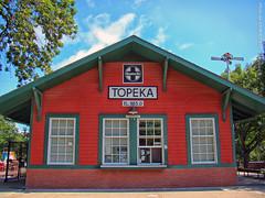 Topeka Depot at Gage Park, 30 June 2017 (photography.by.ROEVER) Tags: kansas shawneecounty topeka gagepark park depot minitrain morning 2017 june june2017 usa