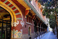 Palau de la Música Catalana (Fnikos) Tags: street people palau música music deco decoration building architecture column door window nature tree outdoor