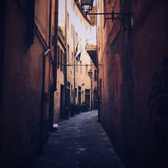 Back streets (Olly Denton) Tags: street road light alley old cobble streetlight walls design colour summer warm hot architecture architecturelovers architectureporn architecturephotography architecturalphotography iphone iphone6 6 vsco vscocam vscopisa vscoitaly vscoitalia ios apple mac shotoniphone pisa tuscany italy italia