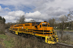 Yocalla Switcher (Tom Trent) Tags: gp383 corp centraloregonandpacific emd diesel gp382 yoncallaswitcher lanecounty oregon willametteriver eugene river clouds siskiyouline