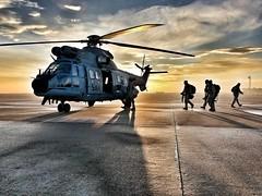 Ejercicio Smara 2018 (Ejército del Aire Ministerio de Defensa España) Tags: baseaéreadecuatrovientos ala48 superpuma helicóptero helicopter ezapac escuadróndezapadoresparacaidistas operacionesespeciales ejércitodelaire spanishairforce seguridadydefensa