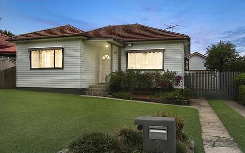 7 Snowsill Av, Revesby NSW 2212