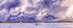 Laguna Jokulsarlon ...(panorámica de 3 fotos horizontales) (Urugallu) Tags: laguna icebergs hielo costa montaña jokulsarlon islandia iceland bubes cielo color luz agua urugallu joserodriguez canon 70d flickr