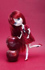 Fruit (Zatannilla) Tags: fruit apple red pullip pullips pretty planning toys kawaii kekas manzanacongusano groove girl pullipasuka asuka