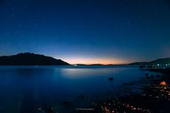 Yo quiero hacer un ruido con los pies / Y quiero que mi alma encuentre su cuerpo (.KiLTRo.) Tags: panguipulli regióndelosríos chile cl kiltro water licanray calafquén lake night stars longexposure blue sunset landscape agua paisaje lago cielo