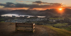 Best seat in the house (Pete Rowbottom, Wigan, UK) Tags: latrigg cumbria landscape lakedistrict keswick mountains water sunset sunburst sun goldenlight derwentwater england nikond750 peterowbottom sky dramatic hills fells bench latriggfell orange golden light serene peaceful sunstar nationalpark viewpoint red winter 2018 sundown flare warmth wideangle