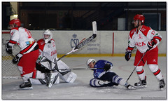 Hockey Hielo - 19 (Jose Juan Gurrutxaga) Tags: file:md5sum=d83ebde51c8f70de8b649f8be8f2b7d8 file:sha1sig=a86a6729136458b683ee430b9b811a700e881c92 hockey hielo izotz ice txuri urdin txuriurdin jaca