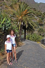 almost like twins ;) (green_lover) Tags: people family martynka girl daughter masca tenerife canaryislands spain palms trees path smileonsaturday two vacation
