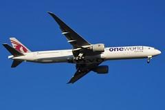 A7-BAB Qatar Airways Boeing B777-3DZ (johnedmond) Tags: perth ypph westernaustralia australia qatar oneworld boeing b777 77l 777 aviation aircraft aeroplane airplane airliner sky sel55210 55210mm ilce3500 sony