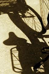 Amsterdam (monicad80) Tags: amsterdam sombra bike