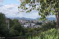 Desde los majestuosos jardines de la Alhambra, vista hacia el emblemático barrio Granadino: Del Albaicín. (Xacobeo4) Tags: barrio del albaicín granada jardines de la alhambra