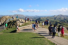 Rush Hour on Te Mata Peak (Karen Pincott) Tags: views tourists visitors scenery hawkesbay newzealand clouds autumn sunny people calm