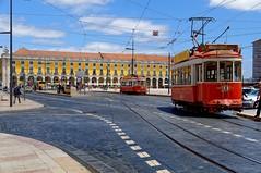 Lisbon : Praça do Comércio / Red Trams (Pantchoa) Tags: portugal lisbonne place placeducommerce tram rouge façades architecture perspective nuages rails arcades transport pantchoa pantxoa