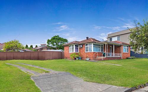 12 Parkview Av, Belfield NSW 2191