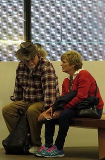 Couple on bench deYoung Museum San Francisco's Golden Gate Park 180405-152823 C4e