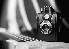 """""""a gift"""" (B.Graulus) Tags: photography picture gift vintage camera gevabox 1955 band music guitar monochrome factive"""
