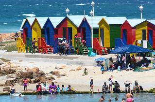 Cabanes colorées St James South Africa _5950re