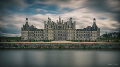 Chateau de Chambord (jazz Ferry) Tags: jazzfotograff jasonferry canoneos canon5dmark3 canon5dmarkiii canon french photoofyourday flickr landscape château chateaudechambord chambord chateaudelaloire leefilters bigstopper longexposure longexpo
