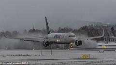 N649GT Atlas Air Boeing 767-375(ER)(WL) (Otertryne2010) Tags: 2018 2k18 767300 atlas boeing enva norge norway trd trondheim værnes air 767375erwl landing snow snø winter vinter reverse thrust