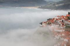 Bruma (planosdeluz) Tags: bruma lastres asturias nubes mirador mar playa clouds canon 80d tanrom1750