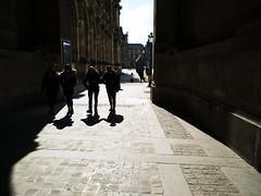 Le Louvre (Gwenaël Piaser) Tags: paris louvre street rue march mars march2018 2018 parigi france francia îledefrance xiaomi xiaominote xiaomimi mimax2 xiaomimimax2 phone téléphone gsm cellphone smartphone lelouvre musée museum sunny day shadows backlit backlight contrejour