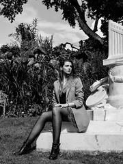 Parc Monceau (Nathanaël Photo) Tags: 75008 bénédicte cheveuxlongs collant france jupe modèle parcmonceau paris parisbyelles uneseulefemme