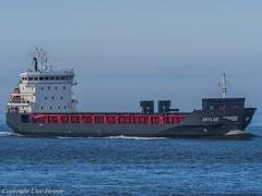 Skylge (U. Heinze) Tags: cuxhaven olympus elbe nordsee ship schiff vessel boot