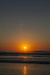 Languidecemos (Lt. Sweeney) Tags: ocaso atardecer sunset puestadesol mar marcantábrico cantábrico cantabria reflejo sol sun naranja color landscape paisaje fotografía foto sentimiento canon adobephotoshopcc canoneos5dmarkii