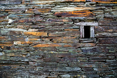 Pared con Ventana / Wall with Window (López Pablo) Tags: wall stone window brown galicia spain wayofsaintjames nikon d7200