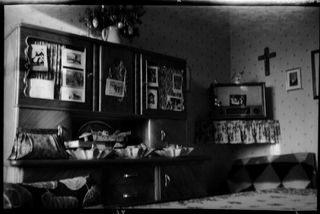 (Kaïopai°) Tags: Wohnzimmer Einrichtung 1950er 1950th Flat Furniture Möbel  Wohnung Schrankwand