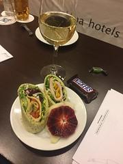 Mellis 15/3 (Atomeyes) Tags: mat skinka wrap frukt godis vin