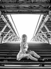 Passerelle Léopold-Sédar-Senghor (Nathanaël Photo) Tags: 75001 cheveuxlongs france genesislolipop jupe modèle paris parisbyelles passerelleléopoldsédarsenghor uneseulefemme